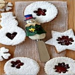 Linzer Cookies with Strawberry Filling