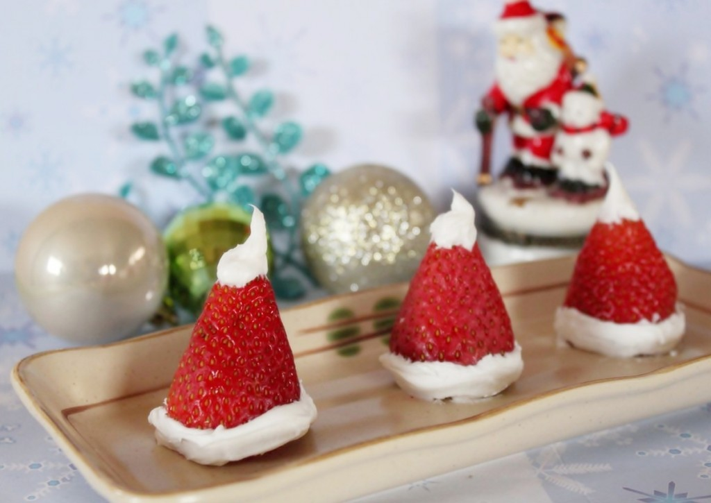 strawberry-santa-hats