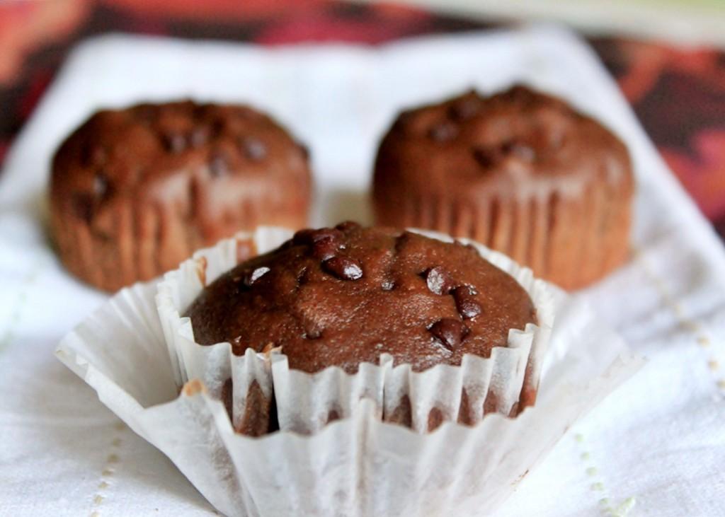 whole-wheat-chocolate-muffins