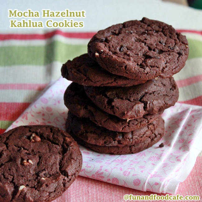 dark-chocolate-cookies-650
